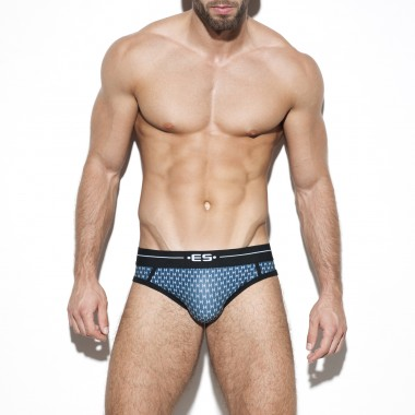 UN272 DIAMOND BRIEF
